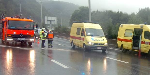 Une personne est décédée dans un accident sur l'A8 à hauteur de la sortie Frasnes - La DH
