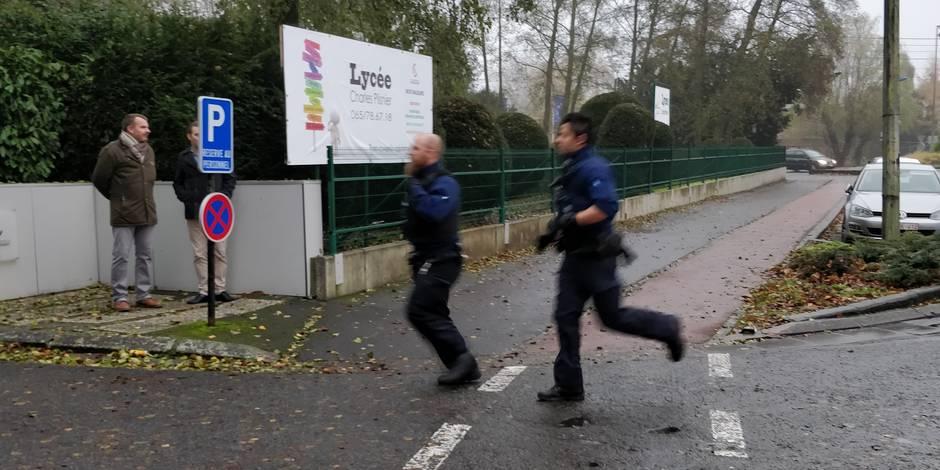 Saint-Ghislain: un tireur fou au Lycée Charles Plisnier ! C'est un exercice de la police Boraine
