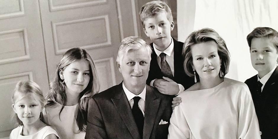 noel 2018 en famille La famille royale présente son portrait de Noël en noir et blanc  noel 2018 en famille