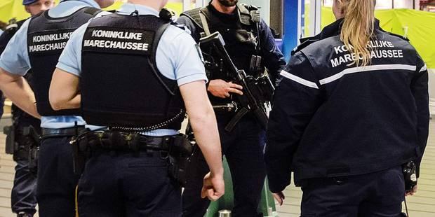 Pays-Bas: la police arrête quatre personnes suspectées de terrorisme - La DH