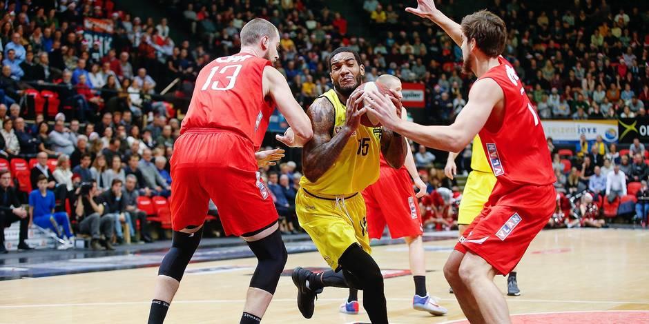 Basket: Ostende domine Charleroi, Liège a cru au père Noël, Mons seul bon élève francophone