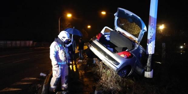 Saint-Ghislain : un automobiliste frôle le drame sur le viaduc - La DH