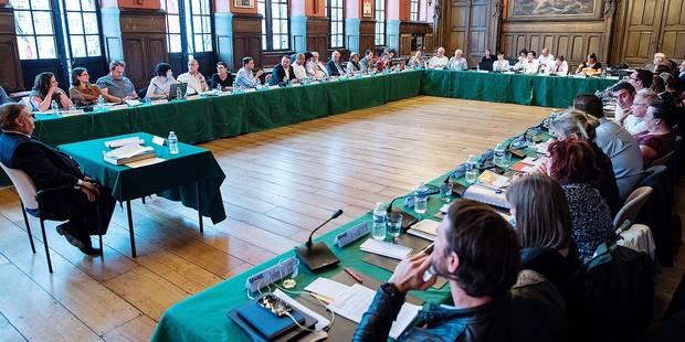 Mons : Une proposition pour autoriser les interpellations citoyennes en ligne - La DH