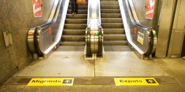 """Un collectif bruxellois s'empare du métro pour dénoncer les différences de traitement entre """"Expats"""" et """"Migrants"""" - La ..."""