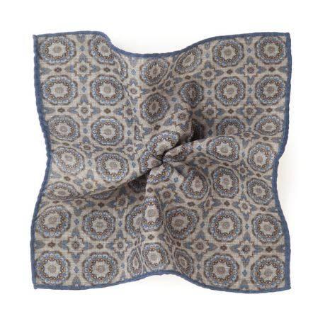 Pochette de costume Gênes Bleu Laine,                                Lanieri. 25€ (-15%)