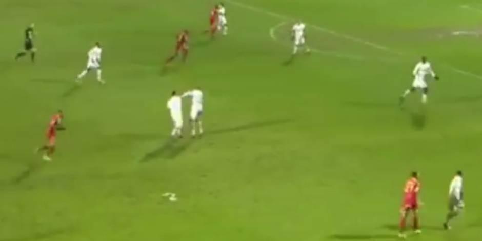 Deux joueurs de l'AJ Auxerre se battent en plein match (VIDEO)
