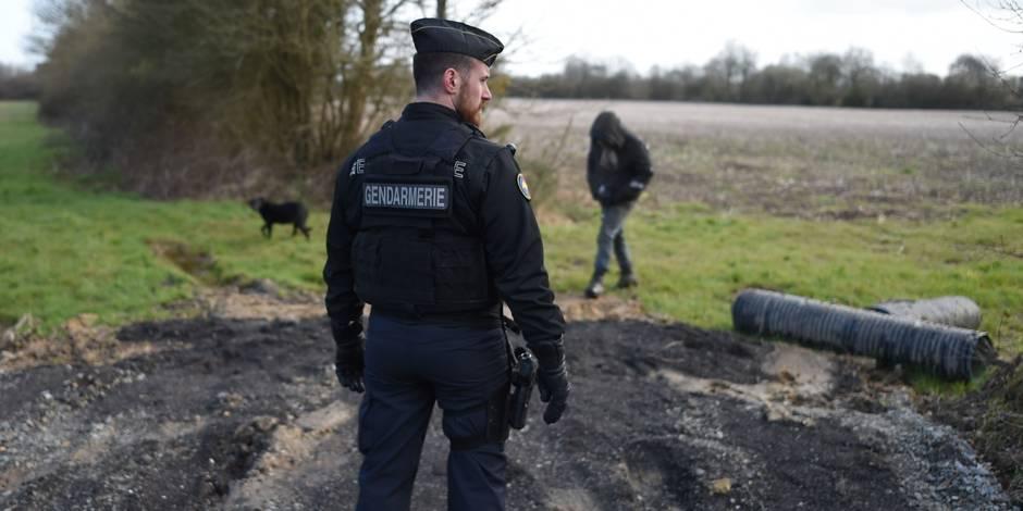 Horreur en France: un homme avoue le meurtre de sa femme et de ses deux enfants