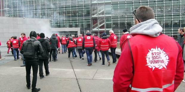 Charleroi: Une centaine de militants FGTB contre le dumping social - La DH