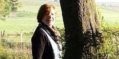 Violente collision à Couvin: Gilberte s'encastre sur le poteau - La DH