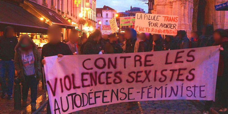 Les manifestantes interpellées samedi dénoncent l'action policière