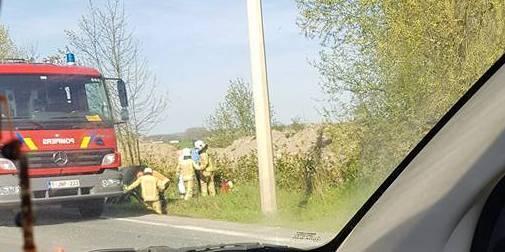 Une voiture retournée dans le fossé à Soignies - La DH